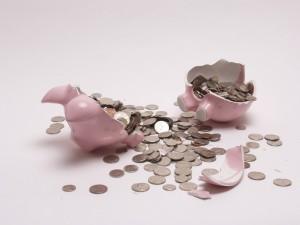 割れた豚の貯金箱